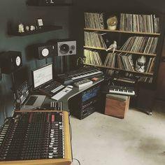 . (Cool Rooms Setups)