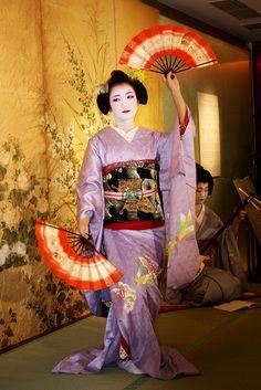舞妓のふく帆さん Maiko Fukuho