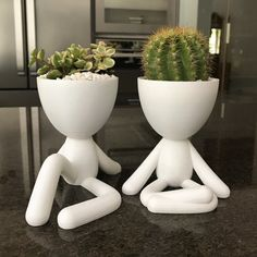 The Bob planter collection is perfect for that corner in your home that you`d like to give a little more life and transform it into a focal point. Concrete Projects, Succulents Garden, Ceramic Pottery, Biodegradable Products, House Plants, Vases, Cactus, Diy And Crafts, Planter Pots