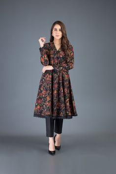 Beautiful Pakistani Dresses, Pakistani Dresses Casual, Pakistani Dress Design, Casual Dresses, Fancy Dress Design, Stylish Dress Designs, Designs For Dresses, Work Dresses For Women, Stylish Dresses For Girls