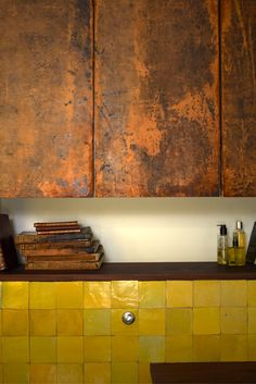 Zellige tiles in the bath of Guy Hill of Interior design by Adam Hills and Maria Speake of Image: Interior Exterior, Interior Design Kitchen, Yellow Cabinets, Dark Cabinets, Bathroom Cupboards, Metal Kitchen Cabinets, Kitchen Walls, Copper Kitchen, Casa Cook