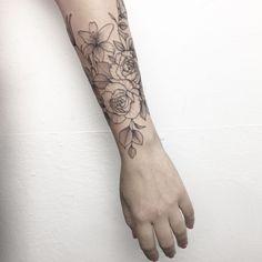·A million of flowers tattoo· by Ynnopya