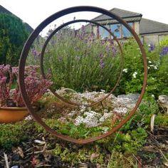 Rusty Garden, Metal Garden Art, Vegetable Garden, Rustic Sculptures, Metal Garden Sculptures, Rusty Metal, Garden Structures, Outdoor Structures, Garden Styles