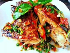The Best Seafood Recipes From Around The World Tilapia Fish Recipes, Salmon Recipes, Asian Recipes, Ethnic Recipes, Asian Foods, Laos Recipes, Fish Dishes, Seafood Dishes, Main Dishes