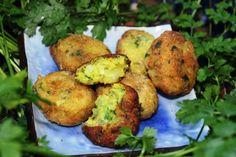 http://festin-quotidien.over-blog.com/article-keuftes-de-pomme-de-terre-a-la-farine-de-pois-chiche-115563330.html