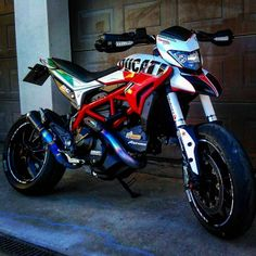 Ducati Motorbike, Moto Ducati, Ducati Cafe Racer, Flat Track Motorcycle, Motorcycle Dirt Bike, Pit Bike, Ktm Dirt Bikes, Motocross Bikes, Vrod Custom
