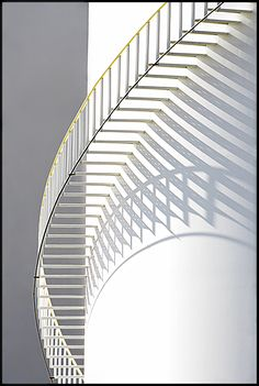 Photography community, including forums, reviews, and galleries from Photo.net Stairs Architecture, Architecture Details, Exterior Design, Interior And Exterior, Concrete Building Blocks, Minimalist Architecture, Interior Stairs, Amazing Buildings, House Stairs