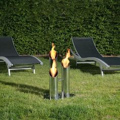 Profiter des bienfaits d'une cheminée dans son jardin, c'est possible ! Déco en Vogue propose des cheminées design outdoor bio éthanol. C'est plutôt pas mal non ?
