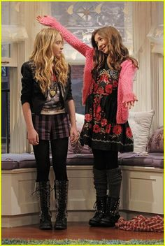 "#GirlMeetsWorld 1x05 ""Girl Meets the Truth"" - Maya and Riley"