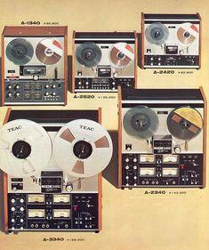 4 Channel Stereo - TEAC 1973 - www.remix-numerisation.fr - Rendez vos souvenirs durables ! - Sauvegarde - Transfert - Copie - Digitalisation - Restauration de bande magnétique Audio Dématérialisation audio - MiniDisc - Cassette Audio et Cassette VHS - VHSC - SVHSC - Video8 - Hi8 - Digital8 - MiniDv - Laserdisc - Bobine fil d'acier - Micro-cassette - Digitalisation audio - Elcaset - Cassette DAT Audio Cassette Vhs, Cd Audio, Tape Recorder, 4 Channel, Electronics Gadgets, Loudspeaker, Wireless Speakers, Audio Equipment, Logitech