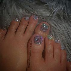 French pedicure designs glitter toe wedding nails ideas for 2019 Glitter Toe Nails, Silver Acrylic Nails, Cute Toe Nails, Gel Nails, Silver Sparkle Nails, Glitter Gel Polish, Gel Toes, Sparkles Glitter, Red Glitter