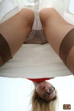 Upskirt panty view