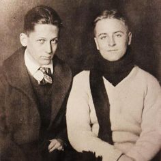 F Scott Fitzgerald and friend at Princeton 1915. The last time I went to Princeton, I was in total Fitzgerald/ Gatsby fangirl mode & absorbed it all. Gorgeous. Miss it there..