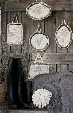 Metal platter wall art (from the Dollar Store but can also be a vintage / thrift collection) by Salvage Dior featured at I Love That Junk