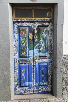 Funchal art: doors. More pics: http://walleni.us/olisiko-tama-mahdollista-suomessa/