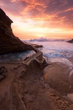 waves crashing on rocky coast during sunset photo – Free Laguna beach Image on Unsplash Iphone 6 Wallpaper, Ios Wallpapers, Wallpaper Backgrounds, Beach Images, Beach Photos, Cool Photos, Easy Photo Editing Software, Neon Aesthetic, Purple Walls