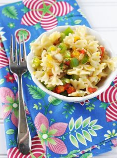 Mandarin Orange & Roasted Red Pepper Bowtie Pasta Salad Recipe with Lemon Honey Vinaigrette — Savor The Thyme - Food, Family and Lifestyle Lemon Pasta Salads, Pasta Salad Italian, Pasta Salad Recipes, Honey Recipes, Lemon Recipes, Tortellini, Healthy Dinner Recipes, Vegetarian Recipes, Veggie Recipes