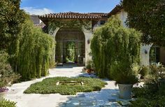 island architects with atelier AM: alexandra + michael misczynski / el montevideo residence, san diego Studios Architecture, Classical Architecture, Landscape Architecture, Landscape Design, Patio Design, Exterior Design, House Design, Spanish Courtyard, Still Life Images