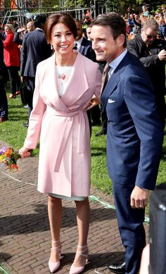 Kings Day, Dutch Royalty, Style Inspiration, Shirt Dress, Royal Families, Dresses, Fashion, Netherlands, Vestidos