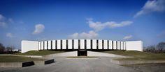 http://divisare.com/projects/309760-oscar-niemeyer-barbara-corsico-burgo-group-headquarter