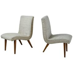 Jens Risom Pair of Scoop Chair with Beige Wool Upholstery, USA, 1940s 1