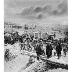 11/1921MELILLA. EN EL CAMINO DE YAZANEN. LOS INGENIEROS REPARANDO PROVISIONALMENTE EL PUENTE SOBRE AL ARROYO DE HADDUBA, VOLADO POR LOS MOROS: Descarga y compra fotografías históricas en   abcfoto.abc.es