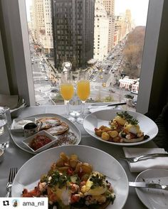 Good breakfast with a great view. Who is not envious right now? #reiseblogger #reisetips #reiseliv  #Repost @ama_nil with @repostapp  What i would do to have #brunch at #robertnyc right now! #newyork #newyorkcity #topnewyorkphoto #nbc4ny #manhattan #centralpark #nycprimeshot #instagramnyc #nyny #concretejungle #bigcitylife #skyline #view #traveler #travelbug #travelgram #travelphotography