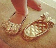 fashionista, adorable, sweet, lovely girl, bow, gold, baby flat, baby, kids, feet, leg, shoes, fashion, pink, girl, jullnard, accessories, c...