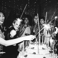 Vouge Its not a proper birthday party without a truly decadent cake. Go inside last n Editorial Photography, Fashion Photography, Wedding Photography, Photography Magazine, Fashion Models, Fashion Show, Fashion Design, Grown Up Parties, Liu Wen