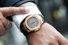 Patek Philippe 5711 Nautilus love it Best Watches For Men, Fine Watches, Cool Watches, Men's Watches, Dream Watches, Watches Online, Rolex, Patek Philippe Calatrava, Expensive Watches
