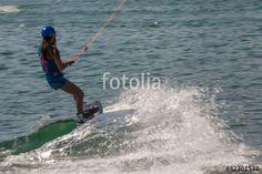 """Laden Sie das lizenzfreie Foto """"Höchstgeschwindigkeit"""" von Photocreatief zum günstigen Preis auf Fotolia.com herunter. Stöbern Sie in unserer Bilddatenbank und finden Sie schnell das perfekte Stockfoto für Ihr Marketing-Projekt!"""
