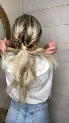 Volleyball Hairstyles, Sporty Hairstyles, Work Hairstyles, Athletic Hairstyles, Hairstyles Videos, Indian Hairstyles, Ponytail Hairstyles, Waitress Hairstyles, Cheer Hairstyles