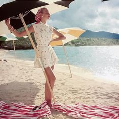 Paula Markert (@paulamarkert) • Instagram photos and videos Vogue Photo, Fashion Angels, Checked Scarf, Summer Outfits, Summer Dresses, Beach Umbrella, Summer Aesthetic, Over 50 Womens Fashion, Slow Fashion