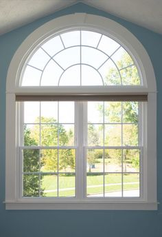 Window trim has a big impact on the overall look of a home. This detailed DIY tutorial will help you with this project in a few simple steps. Arch Molding, Window Molding Trim, Craftsman Window Trim, Interior Window Trim, Moldings And Trim, Moulding, Farmhouse Trim, Farmhouse Windows, Half Circle Window