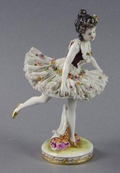 Continental Porcelain Ballerina : Lot 145