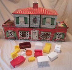 T Cohn Spanish Colonial Tin Litho Dollhouse Furn wbr iture Garage Door 1949 VTG Marx Vintage Dollhouse, Dollhouse Ideas, Dollhouse Furniture, Red And White Kitchen, Spanish Colonial, Kitchen Sets, Dollhouses, House Painting, Garage Doors