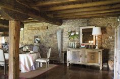 Perfectly cozy and beautiful finishes on floors and walls. Country Decor, Rustic Decor, Converted Barn, Natural Homes, Ideas Hogar, My Dream Home, Home Furnishings, Architecture Design, Flooring