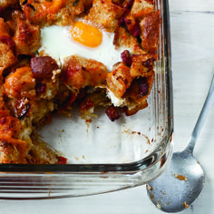 Bacon, Tomato and Cheddar Breakfast Bake with Eggs by Food & Wine Magazine. MyRecipes recommends that you make this Bacon, Tomato and Cheddar Breakfast Bake with Eggs recipe from Food & Wine Breakfast For A Crowd, Egg Recipes For Breakfast, Breakfast Bake, Breakfast Dishes, Breakfast Casserole, Brunch Recipes, Wine Recipes, Cooking Recipes, Irish Breakfast