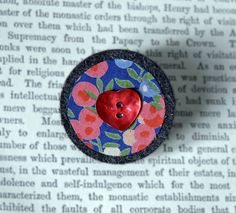 Heart Button brooch - vintage Liberty print - L... - Folksy