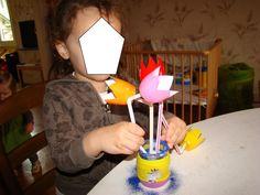 bricolage fête des mères activités assistante maternelle Bouquet, Mother's Day Diy, The Sea, Flowers, Bouquet Of Flowers, Bouquets, Floral Arrangements