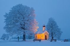 Old Country Churches, Old Churches, Applis Photo, Cathedral Church, Winter Scenery, Christian Church, Snow Scenes, Place Of Worship, Kirchen