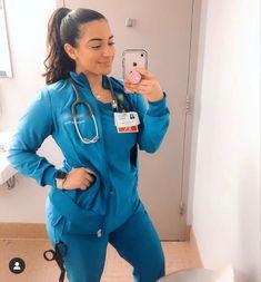 Nursing Goals, Nursing Career, College Goals, Career Goals, Life Goals Future, Future Career, Dental Assistant Study, Nurse Aesthetic, Beautiful Nurse