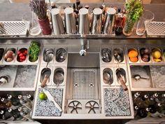 cocktail stations for your bar Design Sushi Bar, Juice Bar Design, Cafe Bar, Bar Mobile, Teppanyaki Restaurants, Cocktail Bar Design, Bar Station, Portable Bar, Brunch