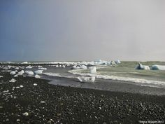 Drifting Icebergs on the seashore
