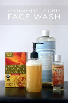 קמומיל + קסטיליה לשטוף את הפנים: זה עדין ומרגיע לשטוף את הפנים נעשה עם מרכיבים פשוטים כמו תה קמומיל, סבון קסטיליה, שמן ויטמין E, ושמנים אתריים.