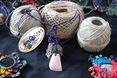 de la boutique Las3Raices sur Etsy Charmed, Etsy, Boutique, Bracelets, Jewelry, Fashion, Hands, Bangles, Jewlery