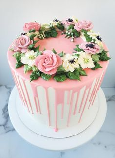 - [Pro/Chef] Chocolate cake with American buttercream and a white chocolate ganache drip. – overwhelming and recipes , love , looking food , tasty food , foods Chocolate Ganche, White Chocolate Ganache, Chocolate Cake Designs, Chocolate Drip Cake, Buttercream Flowers, Buttercream Cake, Birthday Cakes For Women, Floral Cake, Drip Cakes