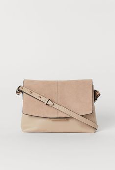 ab1e275f2242bd 10 Best Handbags, Purses, Clutches and etc images | Hand bags, Bags ...