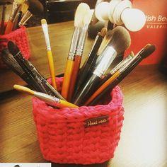 """#Rensta #Repost: @smelli08 via @renstapp ··· """" Теперь у моих кисточек новый домик, спасибо @evesoul_knit.С Днем Святого Валентина """" #отзывылюбимыхпокупателей #отзывы_evesoul_knit"""