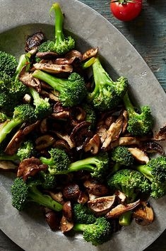 Just a touch of butter adds silkiness to the balsamic sauce that coats broccoli and meaty mushrooms in this easy broccoli side dish recipe. Broccoli Recipes, Vegetable Recipes, Vegetarian Recipes, Cooking Recipes, Healthy Recipes, Healthy Meals, Yummy Recipes, Mushroom Side Dishes, Mushroom Recipes